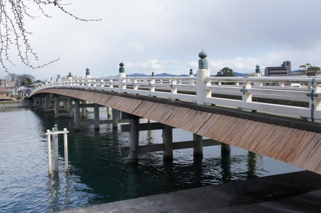 9. 戦乱の要となった近江八景を楽しむ「瀬田の唐橋」