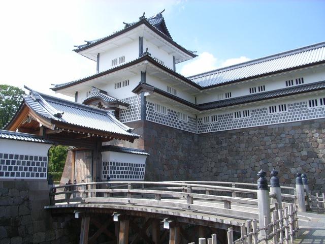 3. 石川県で歴史感じる観光スポット「金沢城公園」