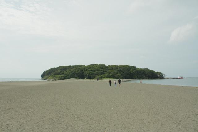6. 千葉県館山にある無人島「沖ノ島」