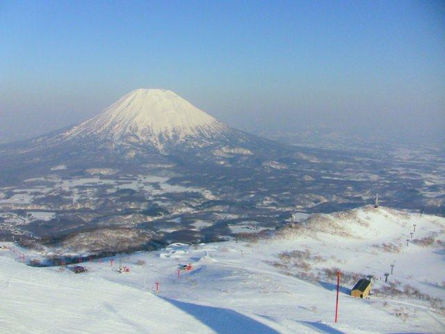 5. 初心者から中級者まで楽しめる北海道ニセコのスキー場「ニセコアンヌプリ国際スキー場」