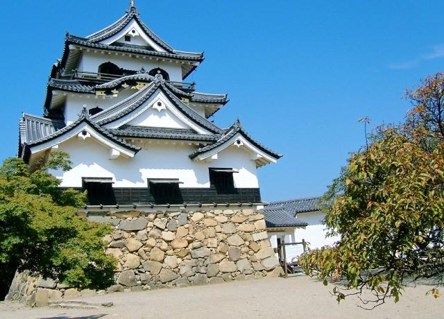 1. 四季を問わない国宝の美しさ!彦根の人気観光スポット「彦根城」