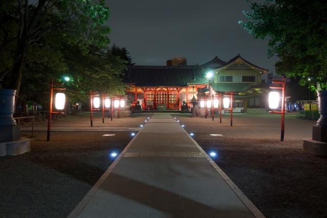 8. 東京の観光地浅草にある有名神社「浅草神社」