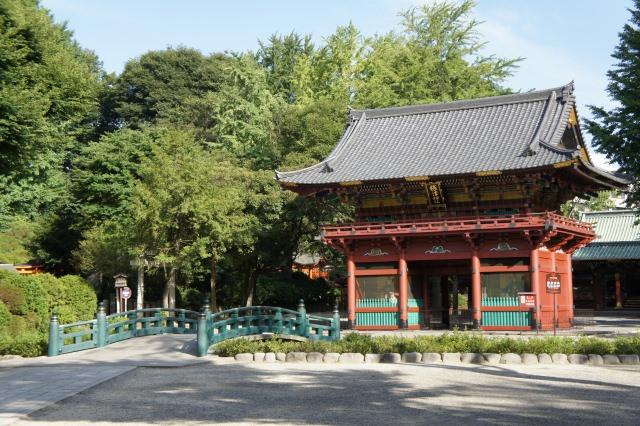 9. 日本の下町の美しさに触れる「根津神社」