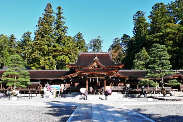 10. 彦根にある歴史的建造物を観光する「多賀大社」