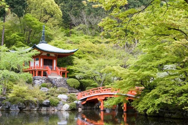 自然と歴史が調和した風景を「弁天堂」