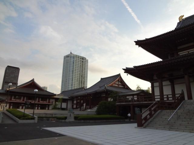 増上寺の境内に入ってみよう!