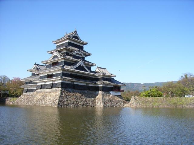3. お城マニアからも人気の高い天守閣「国宝松本城」